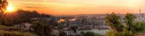 Praagse Panorama van de Gouden Vltava-rivier