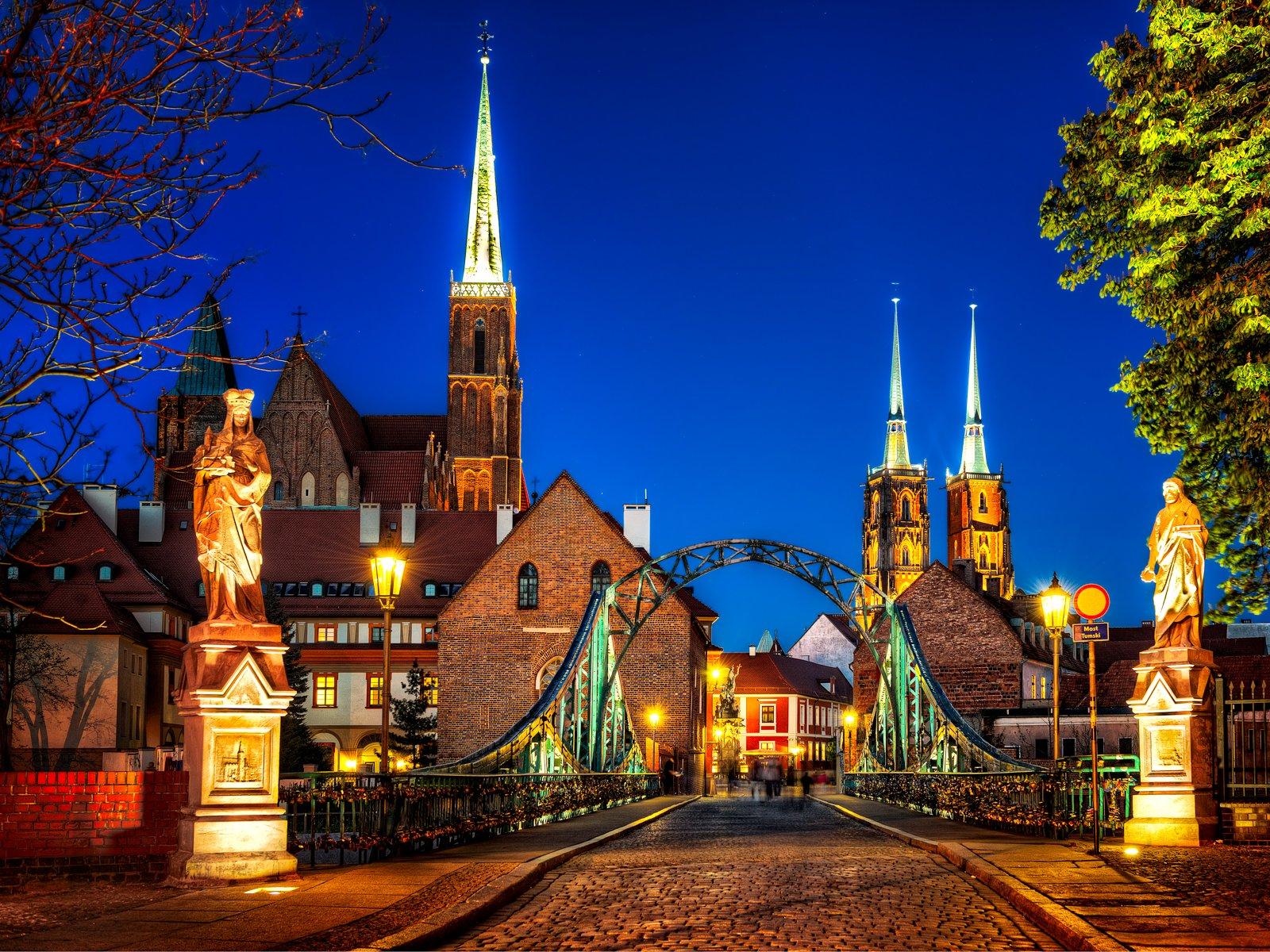 Tumski-brug en kathedraal eiland in Wroclaw, Polen