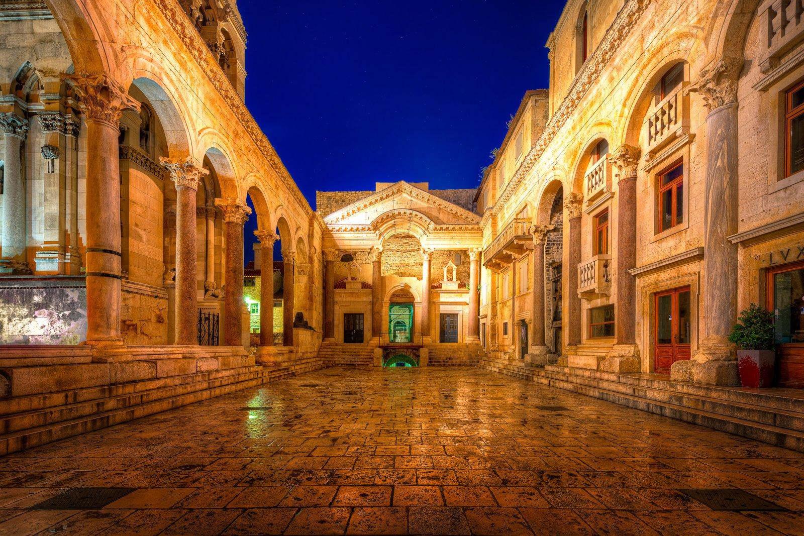 Ruiny Pałacu Dioklecjana wcześnie rano | Split, Chorwacja