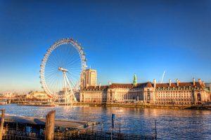 London Eye an einem sonnigen Wintertag | England
