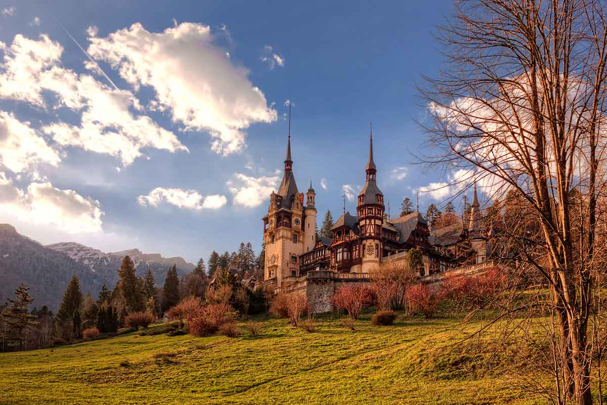 Peleș Castle in Sinaia during a sunny day