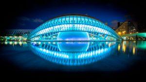 L'Hemisfèric Valencia, Spainen ist Teil der Wissenschaftsstadt. Santiago Calatrava hat das Auge der Weisheit kreiert