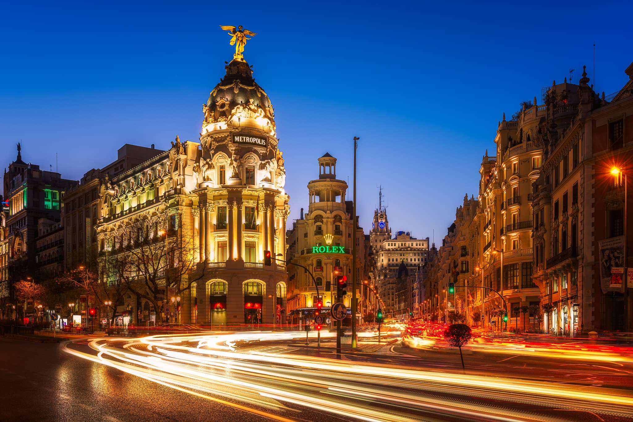 Gran Via and The Metropolis Building in the heart of Madrid – impressions from the night life in the Capital of Spain.