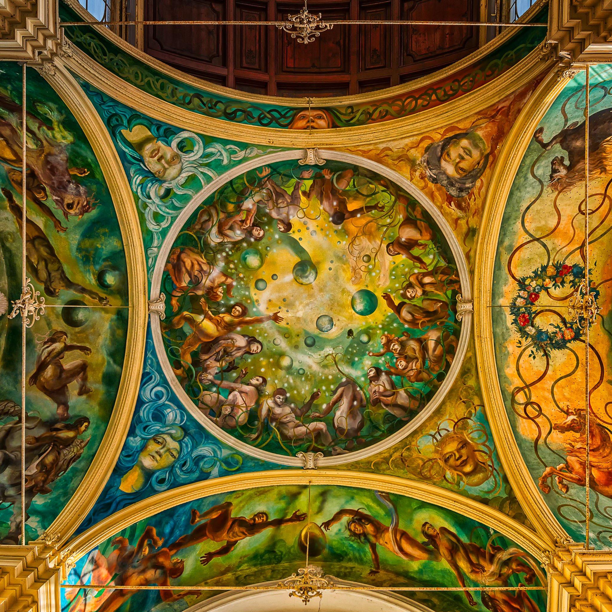 Mariánské Lázně (Marienbad)-Fresken in der Maxim-Gorki-Kolonnade.