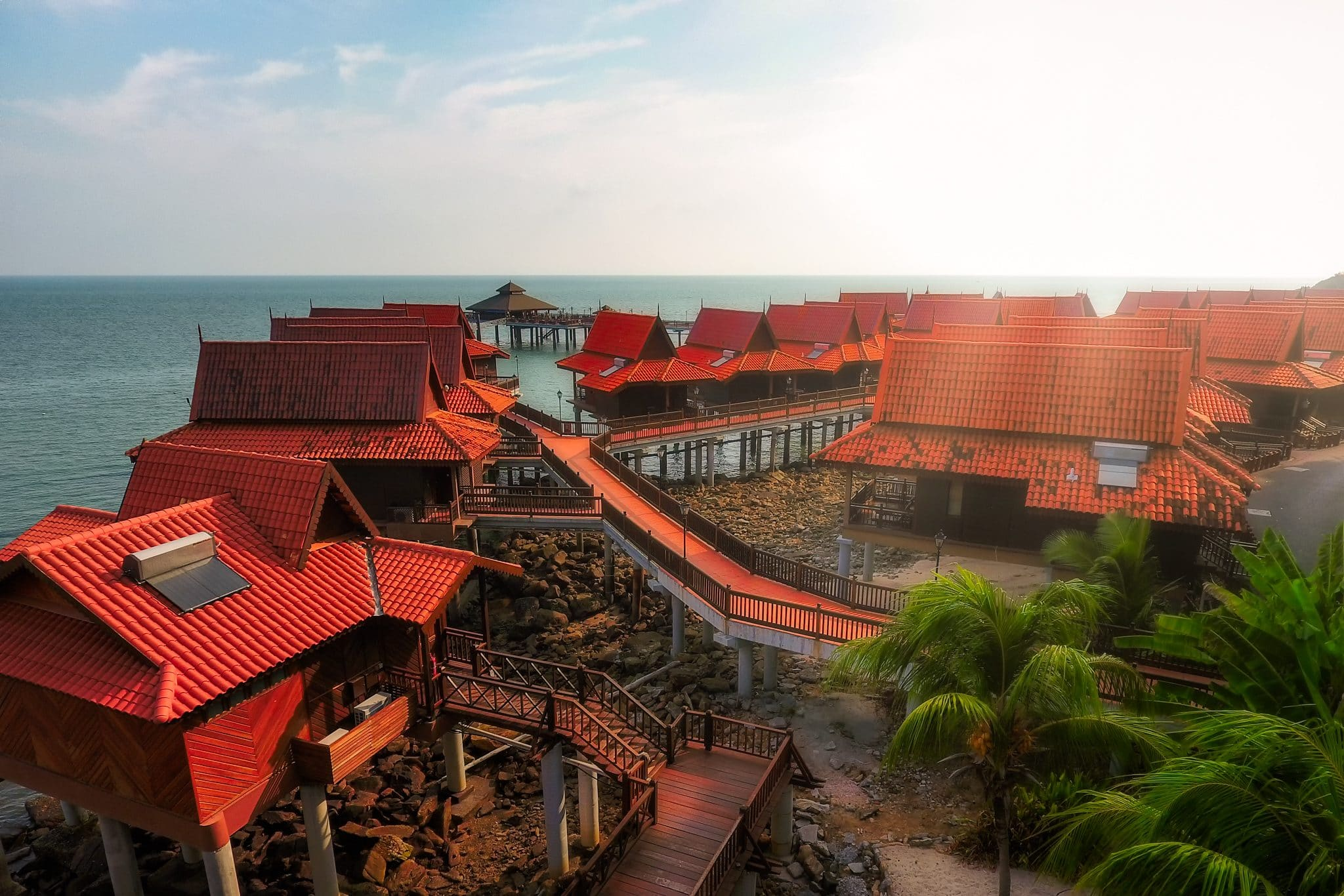 Langkawi Berjaya-Chalet, Blick von oben aus dem Himmel herab, Malaysia.