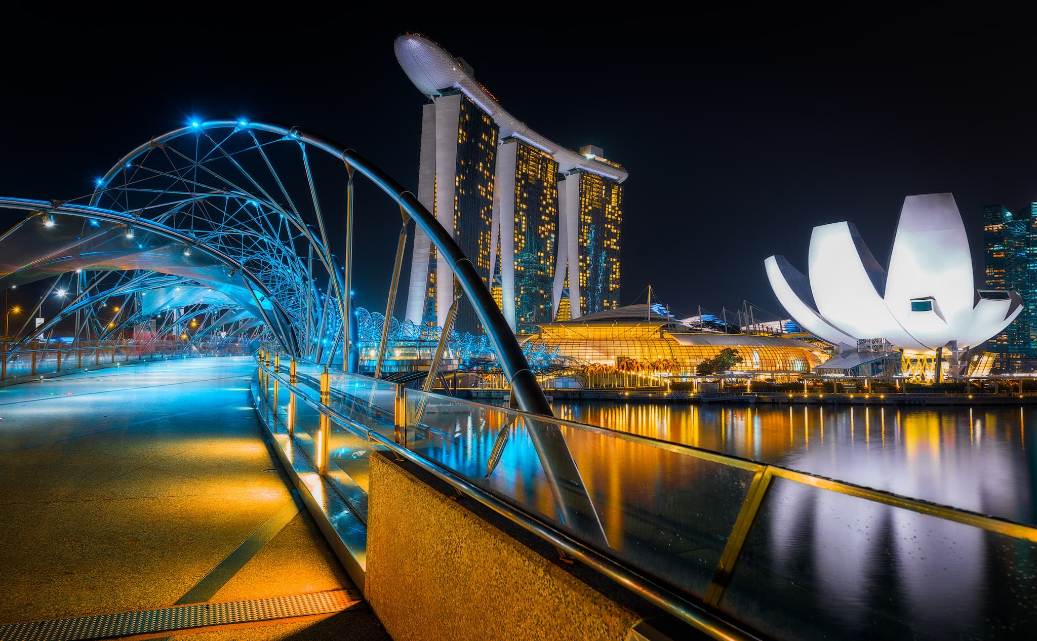 A beautiful view on the Helix Bridge, Marina Bay Sands and Art Science Museum.