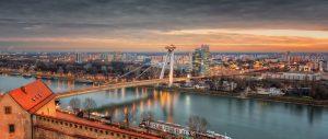 Bratislava Skyline - Brücke und Ufo