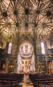 Die Kirche Santa Maria de Belém zusammen mit dem Kloster Jerónimos, Lissabon, Portugal
