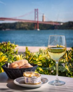Lissabon - Queijo de Azeitão en Vinho Verde; Portugal