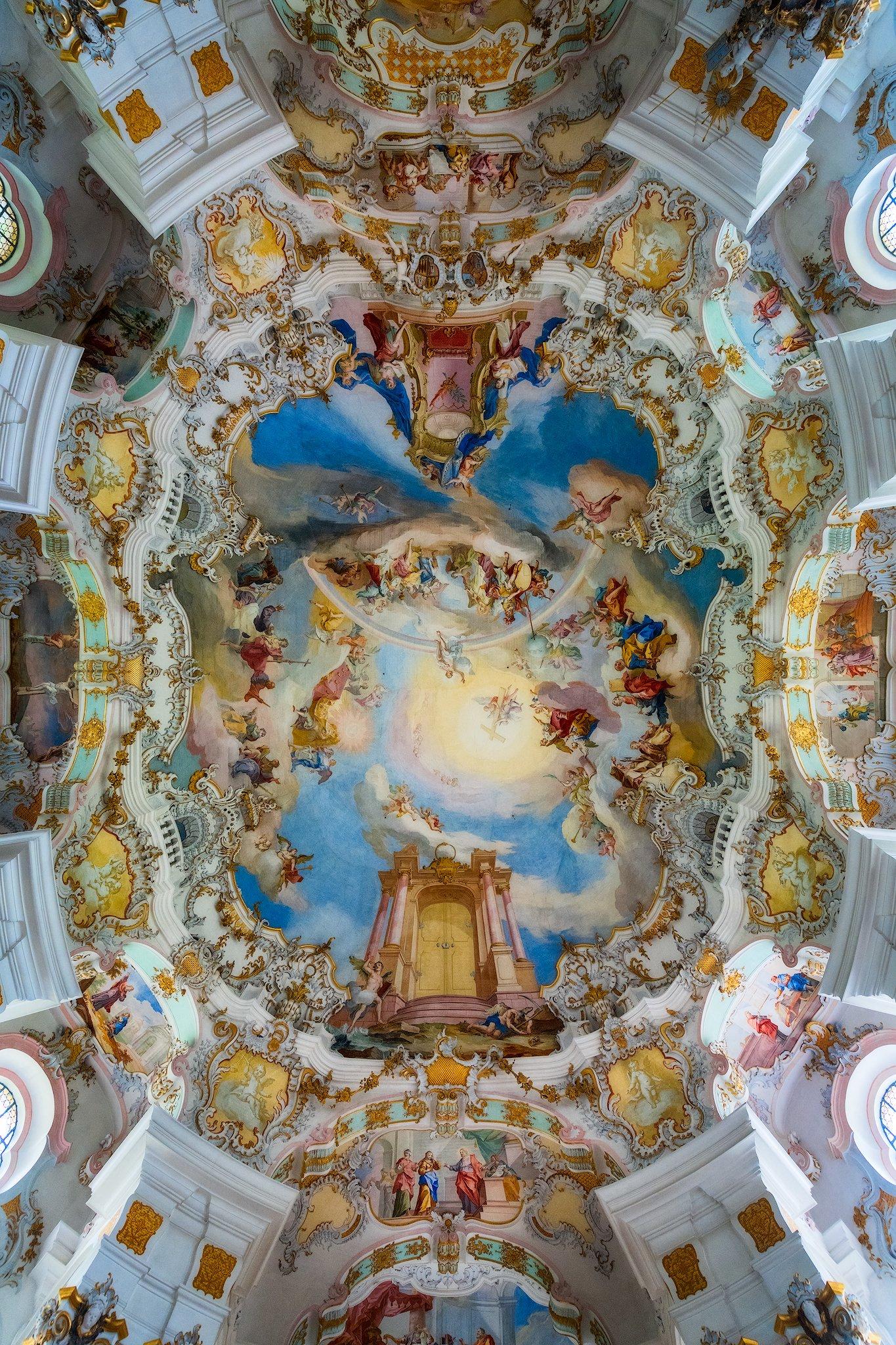 Innenansicht der Wieskirche in Bayern, Deutschland.