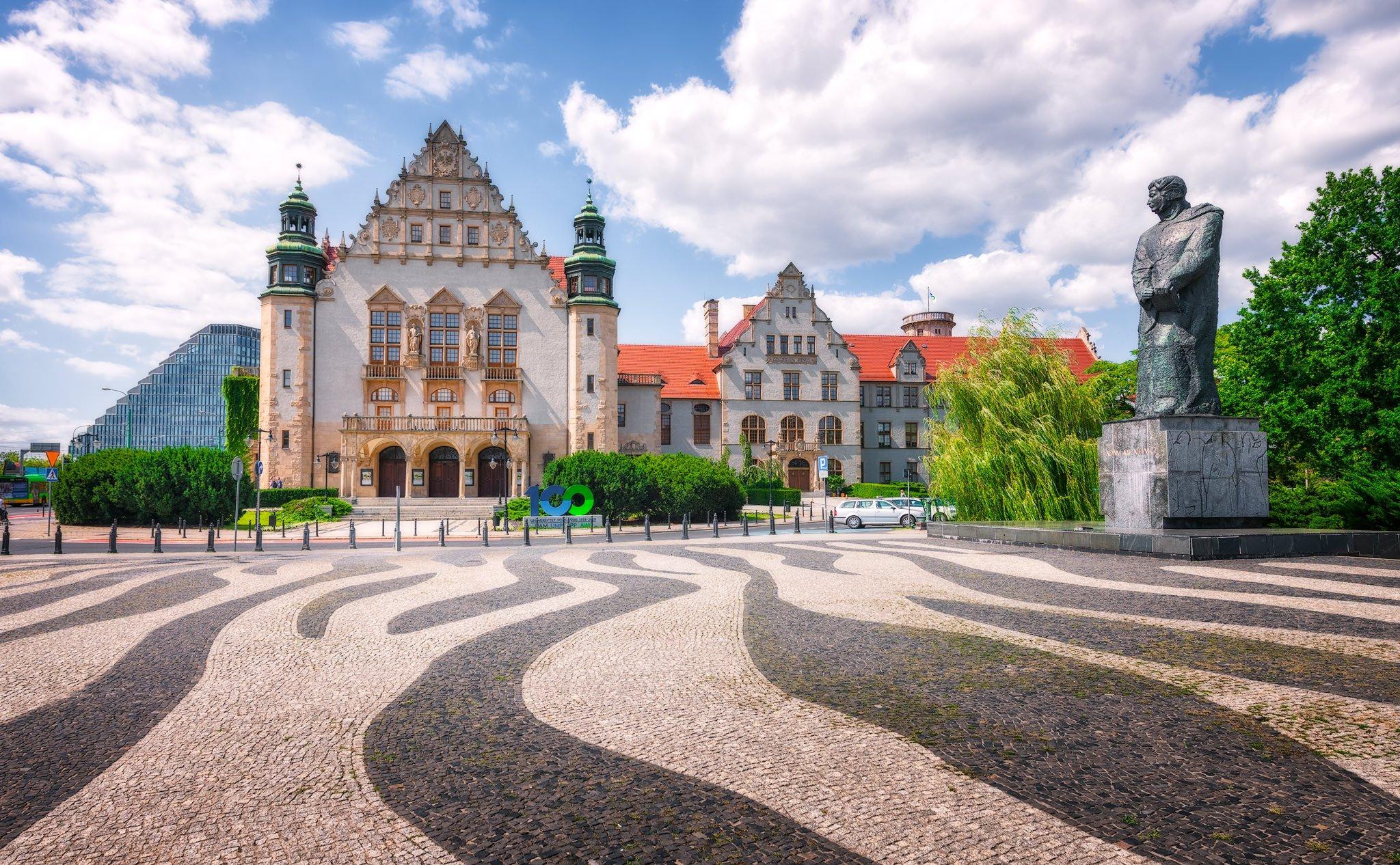 Adam Mickiewicz University in Poznań/University of Poznań; Poland
