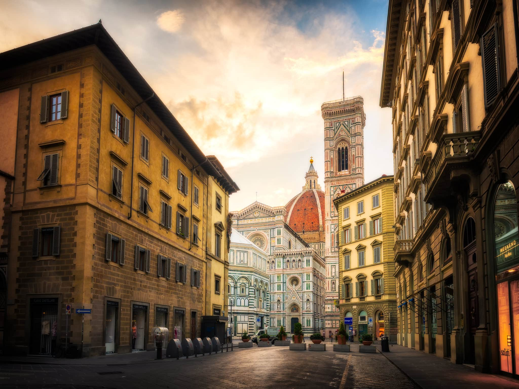 City center of Florence and shopping in Italy